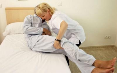 ¿Cómo cuidar a una persona enferma encamada?